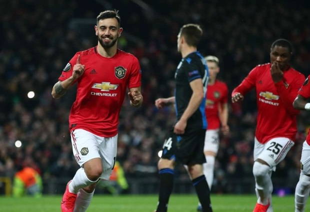 Manchester United 5 -0 Club Brugge: Bruno Fernandes and OdionIghalo inspire against 10 men