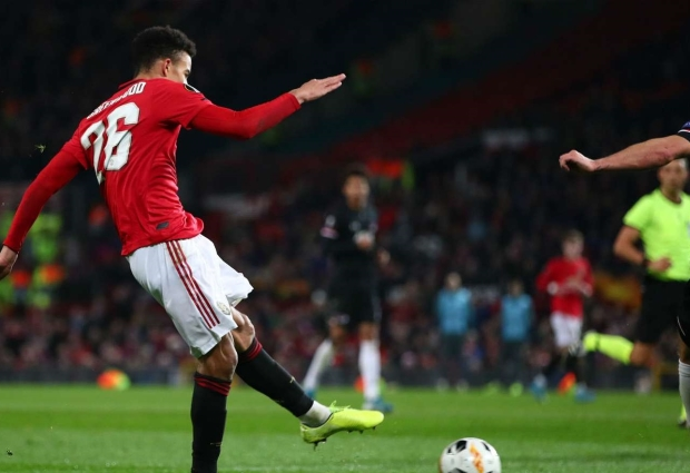 Manchester Utd 4 -0 AZ Alkmaar: Greenwood dazzles as hosts seal top spot